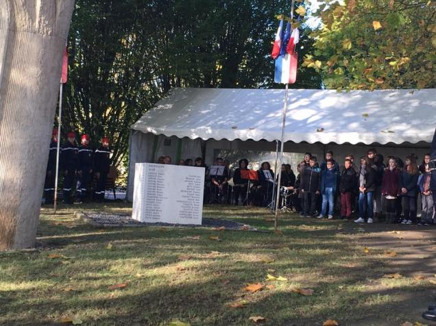 au-commemoration-du-11-novembre-a-maignelay-montigny-1