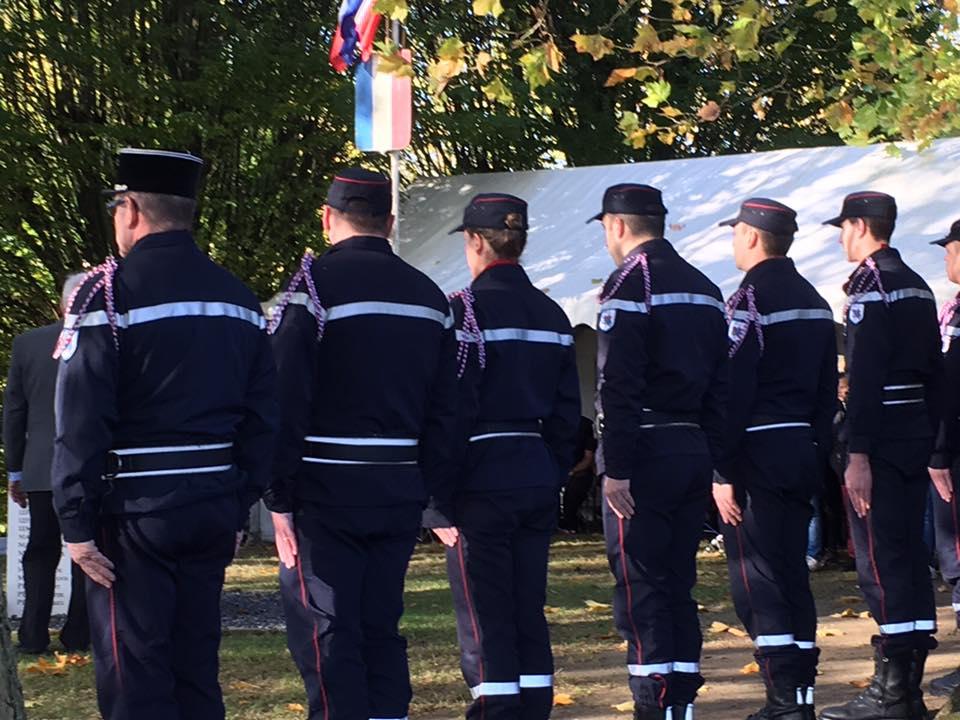 au-commemoration-du-11-novembre-a-maignelay-montigny-2