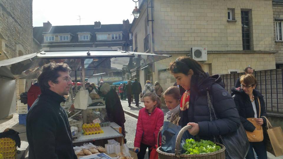 Au marché de Compiègne 1