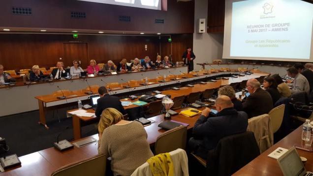 A la réunion du groupe Les Républicains au Conseil Régional Hauts-de-France 1