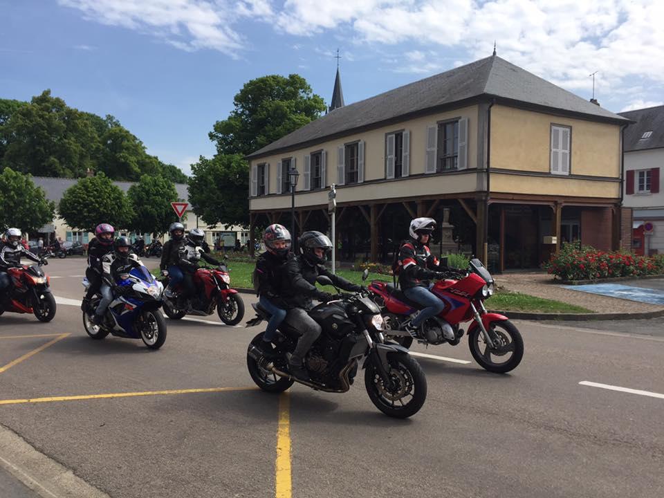 Au Tour des motard à Méry-la-Bataille