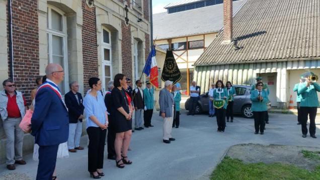 Aux commémorations du 18 juin à La Croix Saint Ouen 1