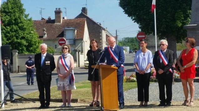 Aux commémorations du 18 juin à La Croix Saint Ouen