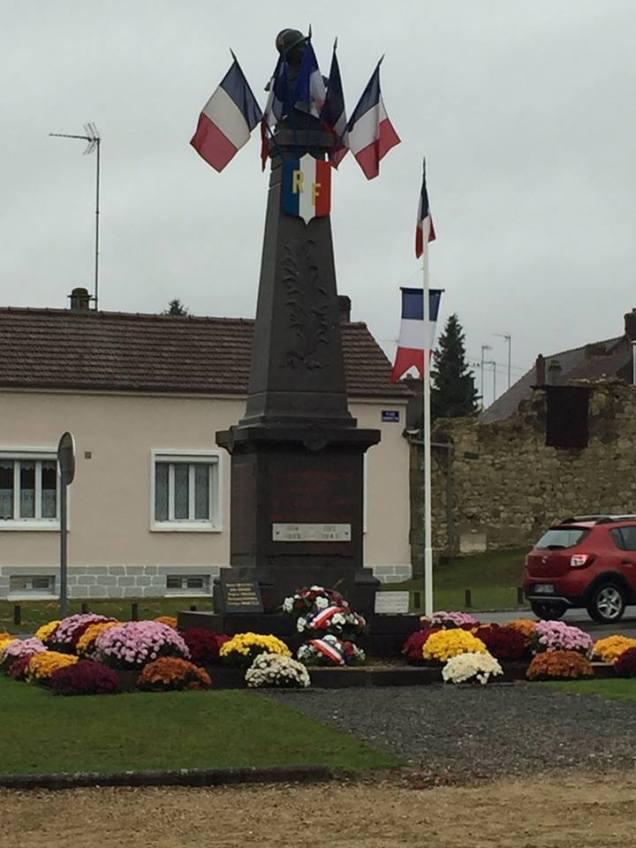A la cérémonie du 11 novembre à La Croix Saint Ouen 1