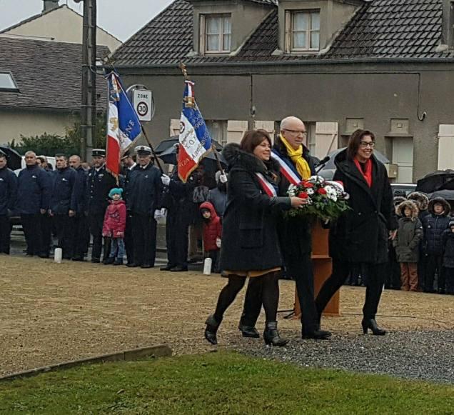 A la cérémonie du 11 novembre à La Croix Saint Ouen