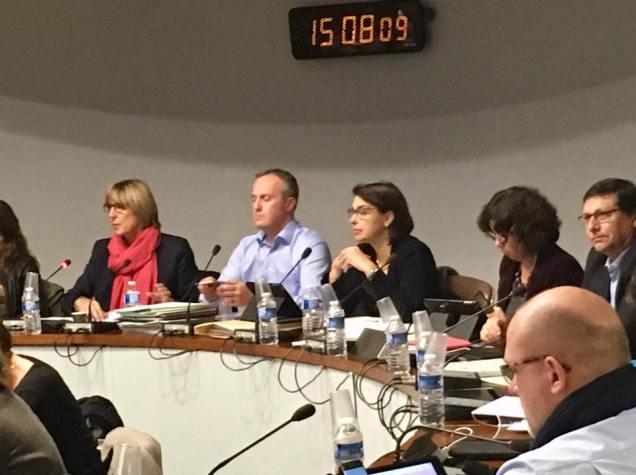 Réunion de travail au Conseil Régional Hauts-de-France avant la séance plénière